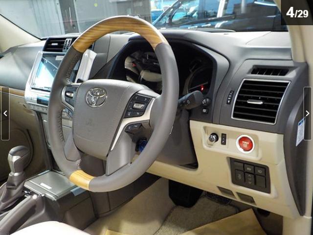 トヨタ ランドクルーザープラド TX Lパッケージ ディーゼルターボ 外グリル