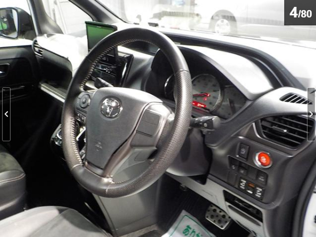 トヨタ ヴォクシー ZS G's アルパイン製フリップダウンモニター